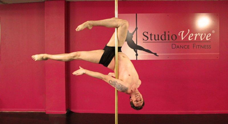 PoleFit Student Jamie speaks to Studio Verve about his pole dance journey thus far
