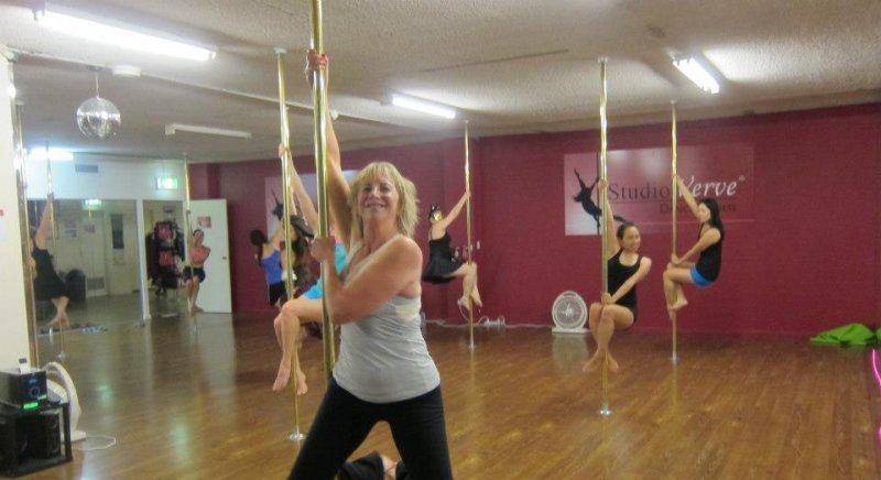 Beginner PoleFit pole dancing classes at Studio Verve