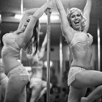 Learn pole dancing in Sydney. Perfect your pole skills, technique and have fun while learning pole dance for fitness and fun! Burlesque performance.