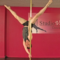 Studio Verve offers separate Mens' Pole Dancing for Beginners, Intermediate and Advanced students