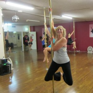 Beginner PoleFit pole dancing classes at Studio Verve